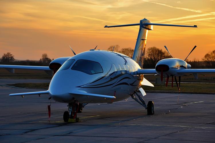 aircraft - piaggio introduces the new avanti p180 evo.