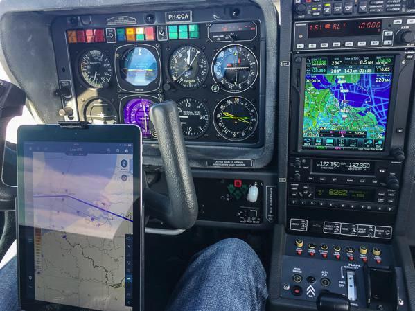Maintenance & Avionics - A combined terrain + airspace ... on