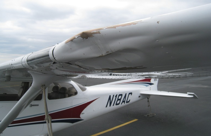 Hangar Talk - Are fabric wings dangerous?